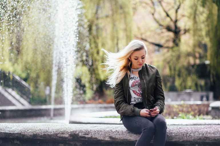 blonde blur daylight fashion